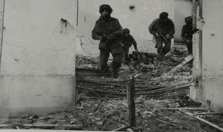 Army At War Arnhem Skirmish In The Ruins