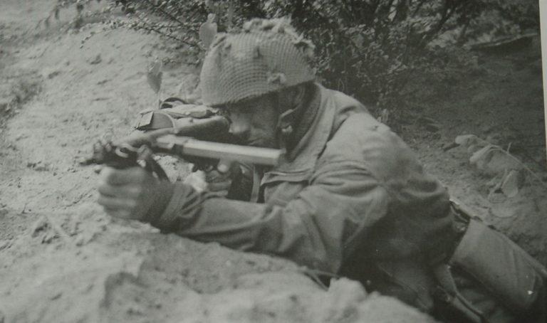 Army At War Arnhem Sten Gun In Action
