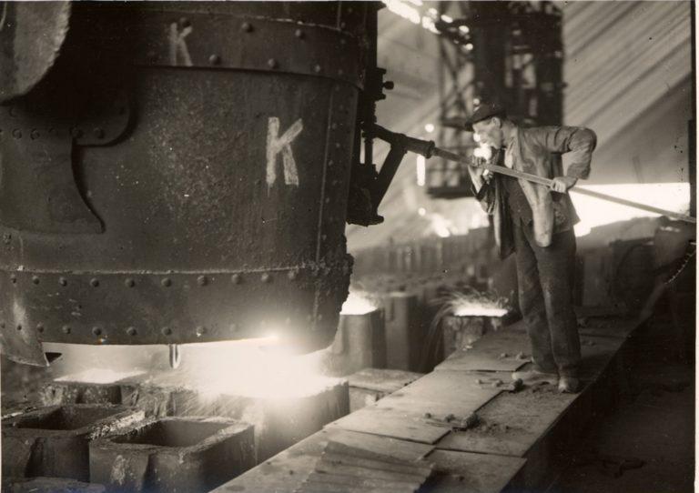 Bessemer Steel Discharging
