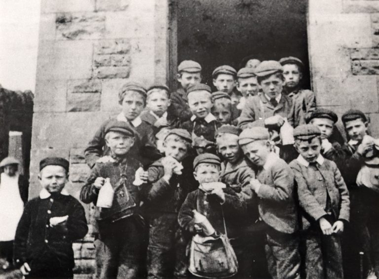 Boys Eating Lunch At School 1890 To 1920