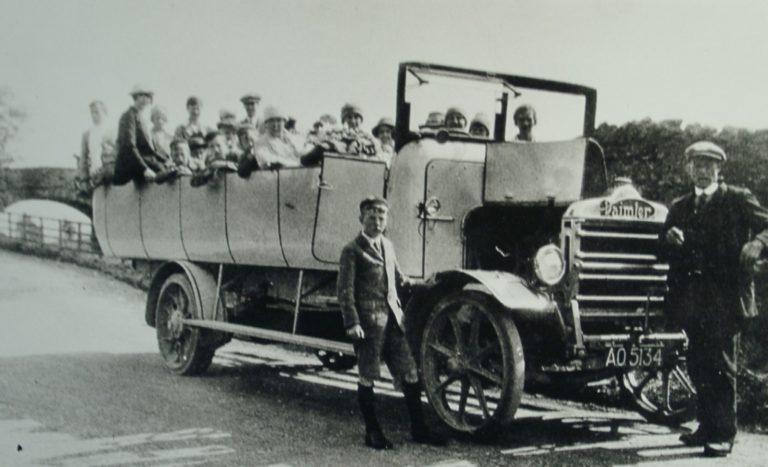 Car Damlier Charabanc