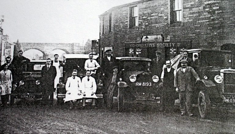 Coop Shop And Staff 1900 1