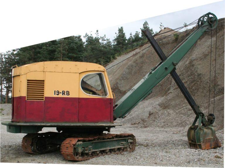 Excavator RB19 at stockpile 1 Threlkeld Quarry Threlkeld Quarry