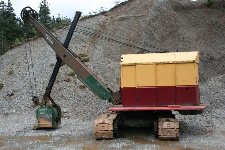 Excavators 09 Threlkeld Quarry