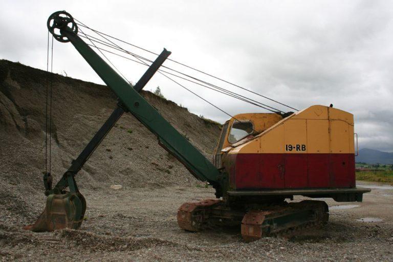 Excavators 17 Threlkeld Quarry