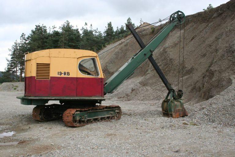 Excavators 18 Threlkeld Quarry