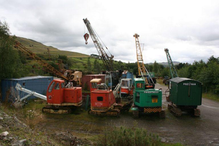 Excavators lower quarry 24 08 2010 15 20 50 3456x2304 Threlkeld Quarry