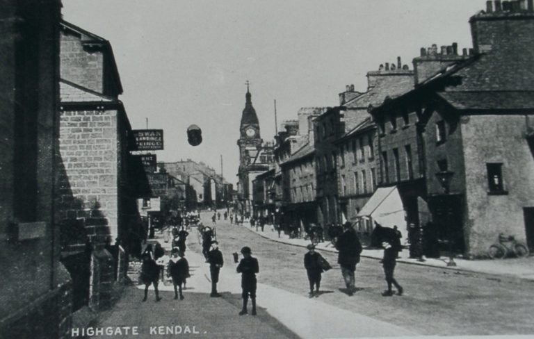 Kendal Highgate No Traffic Children In Road