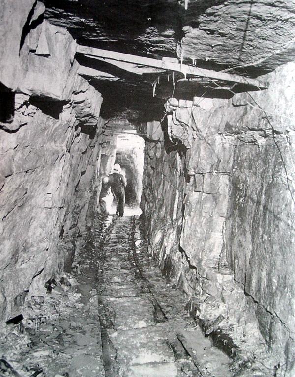 Mining Tunnel 02