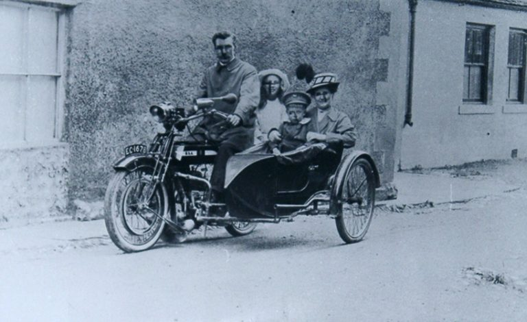 Motorbike With Sidecar Family TEXT
